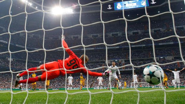 Zinedine Zidane menilai Cristiano Ronaldo punya peluang untuk mencetak lebih banyak gol di laga lawan APOEL.