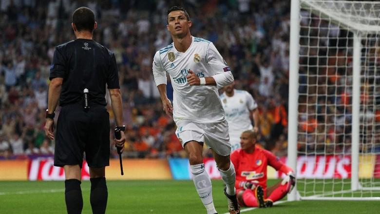 Ronaldo Dua Gol, Madrid Tekuk APOEL 3-0