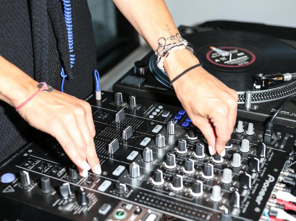 Nonton Aksi DJ Kini Bisa dari Rumah