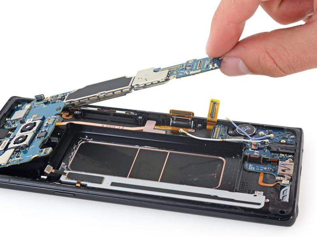 Mengintip Jeroan Galaxy Note 8