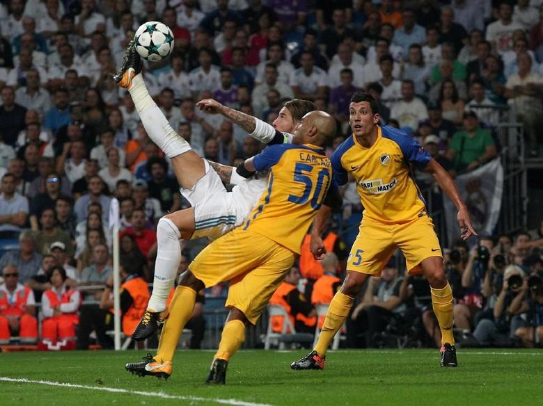 Ramos Tandai Kemenangan ke-350 bersama Madrid dengan Gol Istimewa