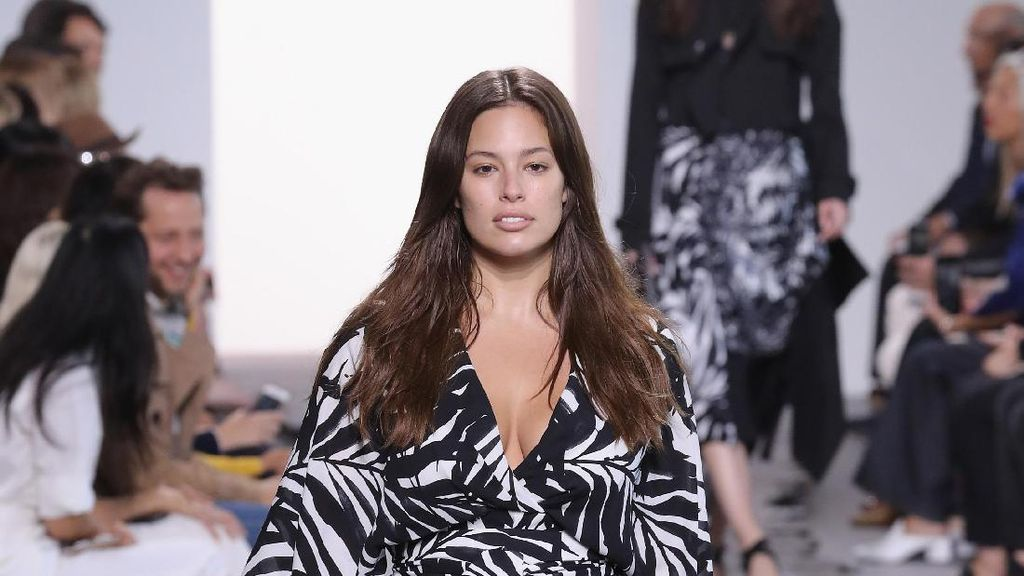 Sejarah di New York Fashion Week, Ratusan Wanita Plus Size Eksis Jadi Model