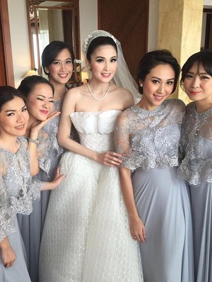 Foto: 10 Inspirasi Gaun Bridesmaid dari Pernikahan Seleb Indonesia