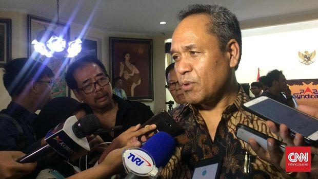 Anggota Komisi III DPR fraksi Demokrat, Benny K. Harman usai menghadiri diskusi di kantor Para Syindicate, Jakarta, Jumat (15/9).