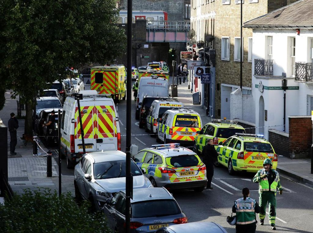 Polisi Inggris Tangkap Pemuda 18 Tahun Terkait Bom Kereta London