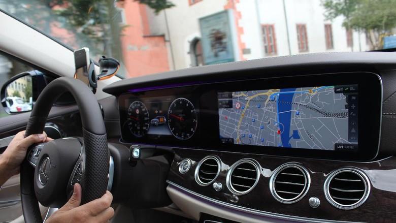 Merasakan Canggihnya Sentuhan Teknologi Mobil Tanpa Sopir
