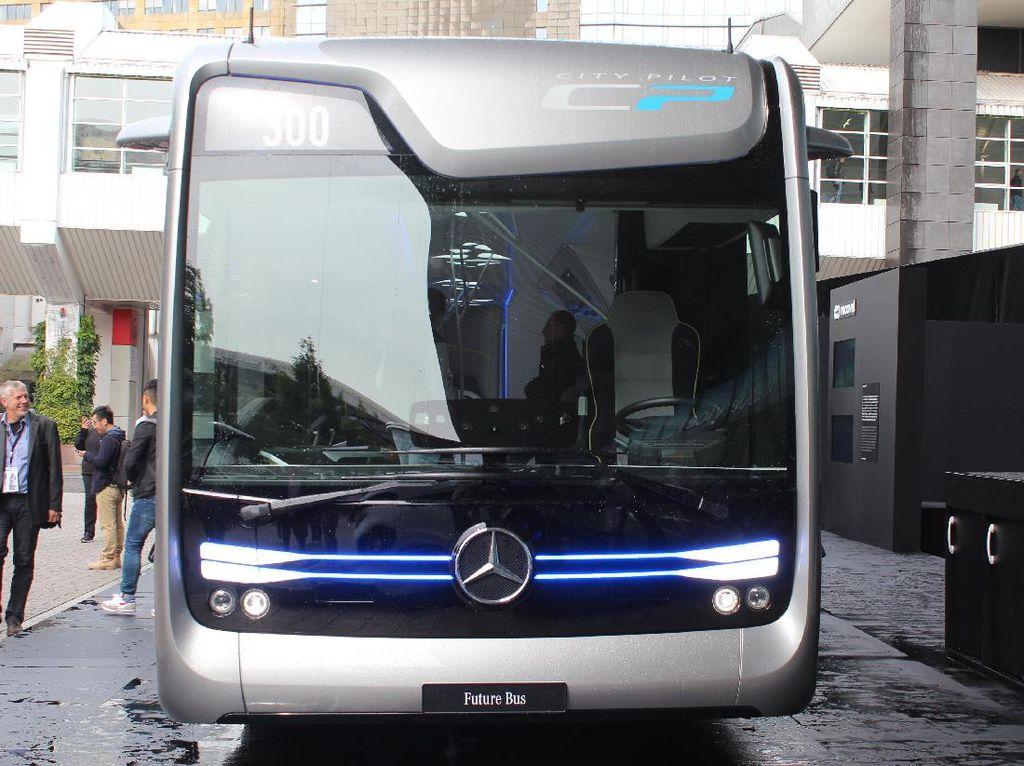 Berani Naik? Bus Ini Bisa Melaju dari Bandara Tanpa Sopir