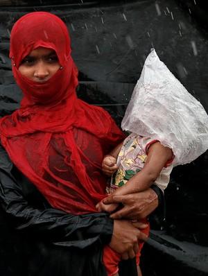 Miris, Begini Penderitaan Kaum Rohingya Kala Hujan Deras