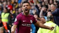10. Sergio Aguero sejauh ini mengemas enam gol dalam enam laga Premier League bersama City (467 menit). Aguero rata-rata mencetak satu gol tiap 78 menit. Foto: Darren Staples/Reuters
