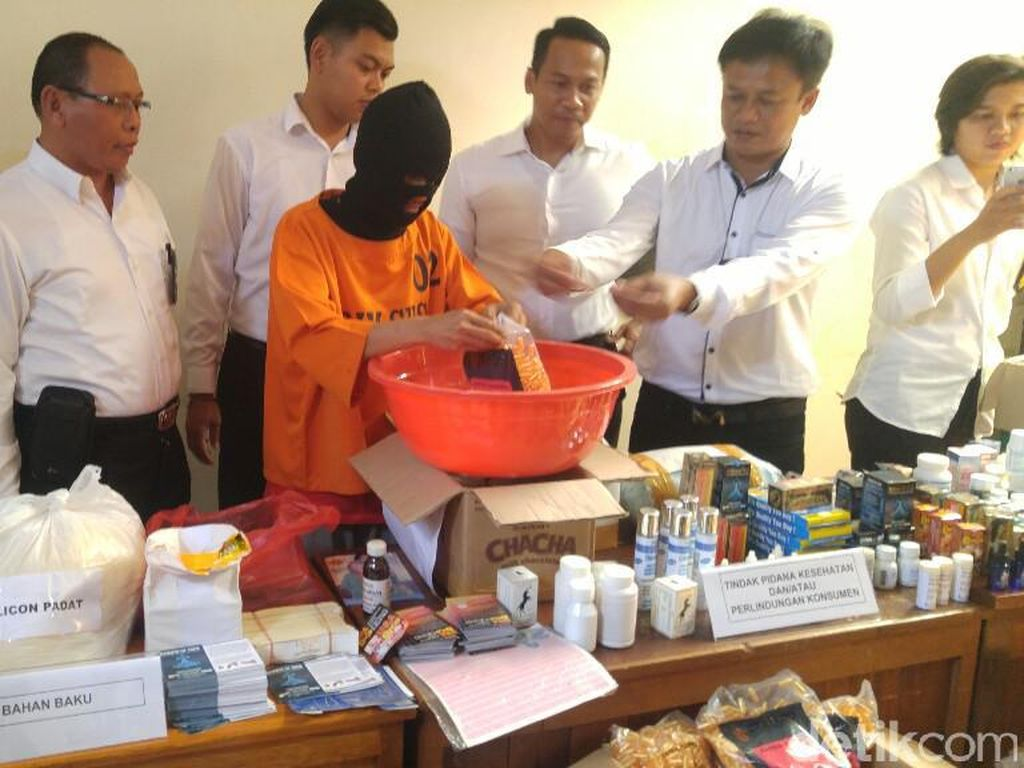 Polda Jateng Tangkap Produsen Obat Kuat Palsu di Jepara