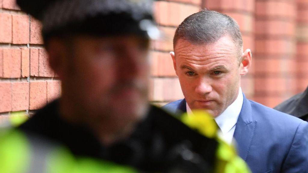 Ngebut dan Mabuk, Wayne Rooney Dilarang Nyetir 2 Tahun
