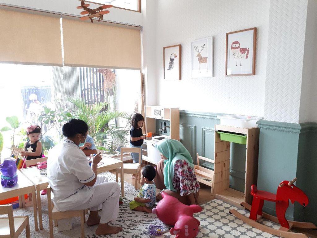 Di Kafe Homey Ini Ada Ruang Bermain dan Makanan Enak Khusus si Kecil