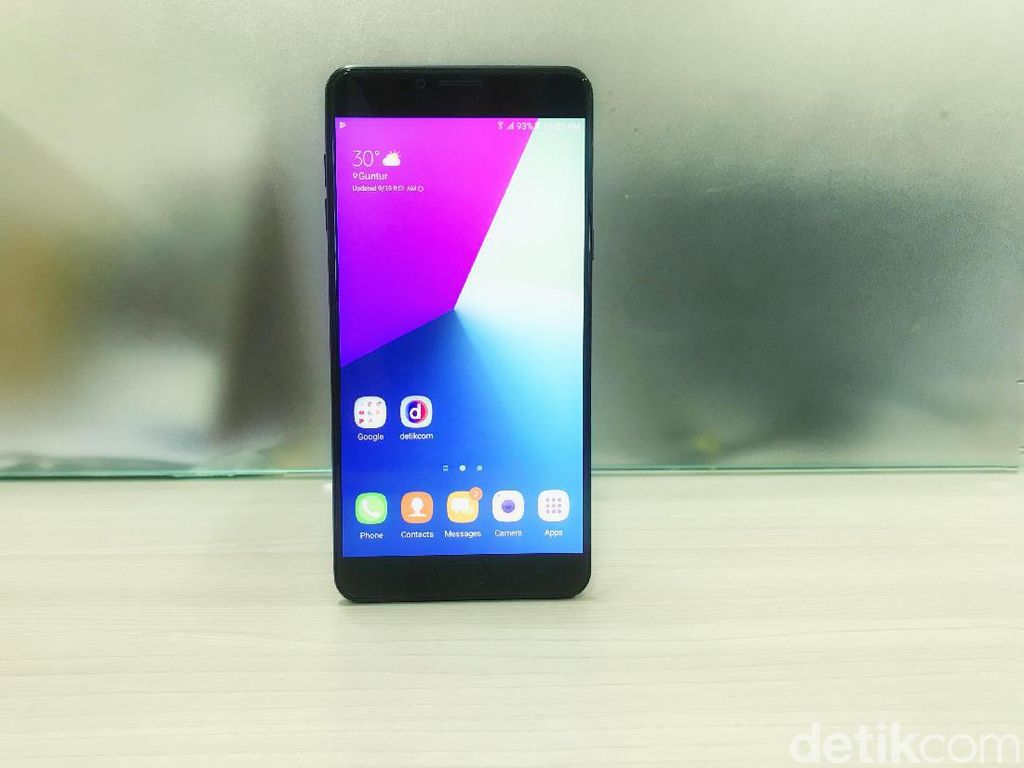 Samsung Galaxy C9 Pro: Begitu Menggoda!