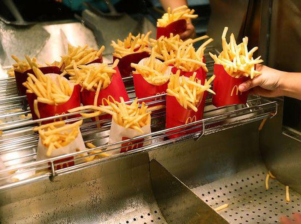 Cuitan Netizen Soal Bentuk Kemasan French Fries McDonalds Dianggap Palsu