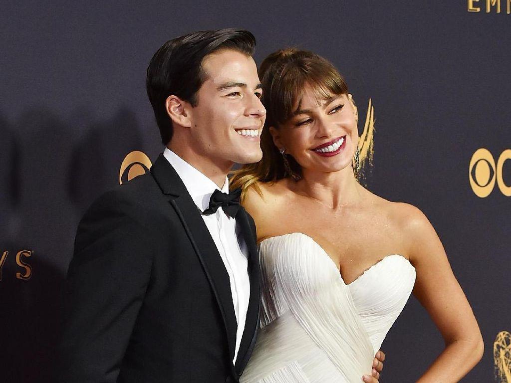 Sofia Vergara Bawa Putra Tampannya ke Emmy Awards, Netizen Dibuat Baper