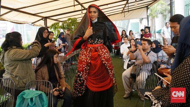 Think Fashion akan bawa sejumlah desainer Indonesia ke Turki dan Dubai. Foto: CNN Indonesia/Elise Dwi Ratnasari