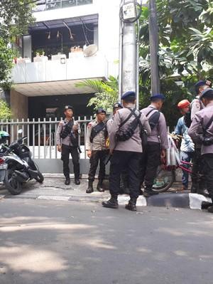 Gedung LBH Jakarta Masih Dijaga Polisi