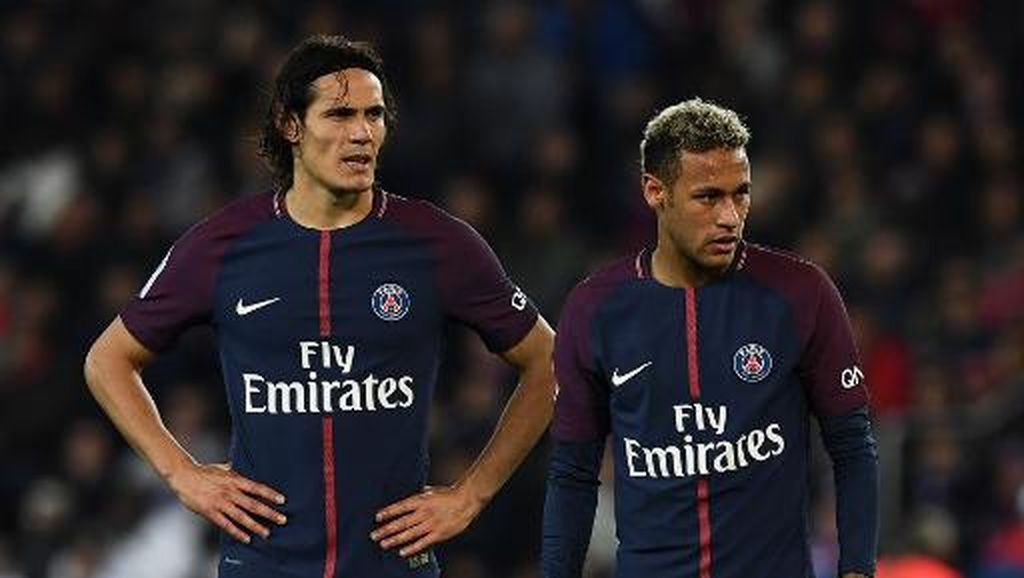 Membandingkan Statistik Penalti Cavani dengan Neymar