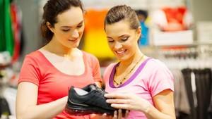 8 Tips Memilih Sepatu Lari Bagi Pemula
