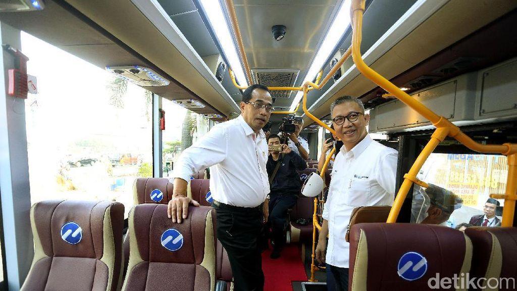 Menhub Jajal TransJabodetabek Plaza Senayan-Mall Mega Bekasi