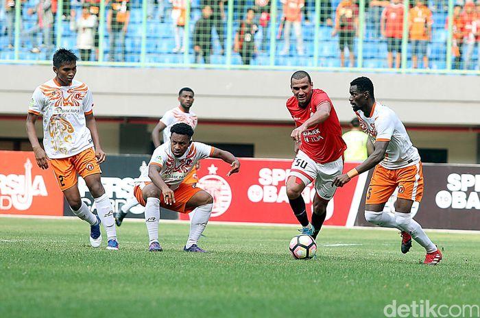 Skor akhir dari laga sengit ini adalah 1-0 untuk kemenangan tuan rumah Persija Jakarta.