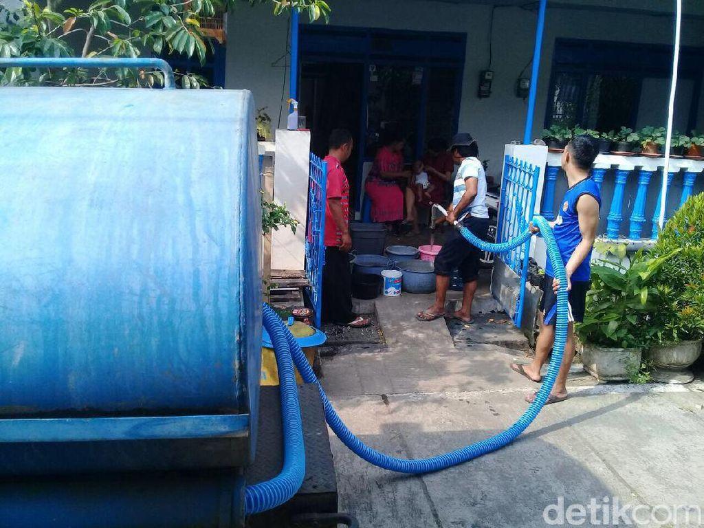 Debit Air Menyusut, Pasokan Air ke Ribuan Pelanggan PDAM Tersendat