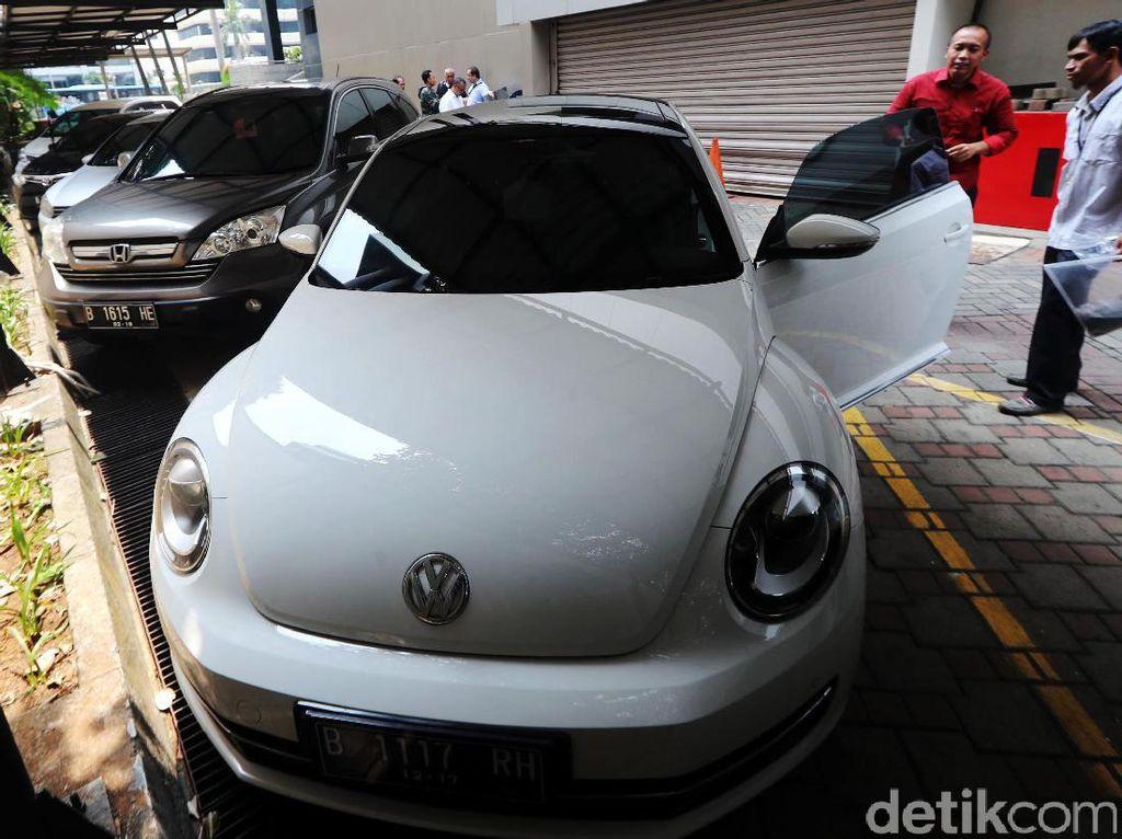 Mobil Sitaan KPK VW Beetle Dilepas Rp 396 Juta
