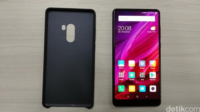Xiaomi Mi Mix 2. Foto: Anggoro Suryo Jati/detikINET