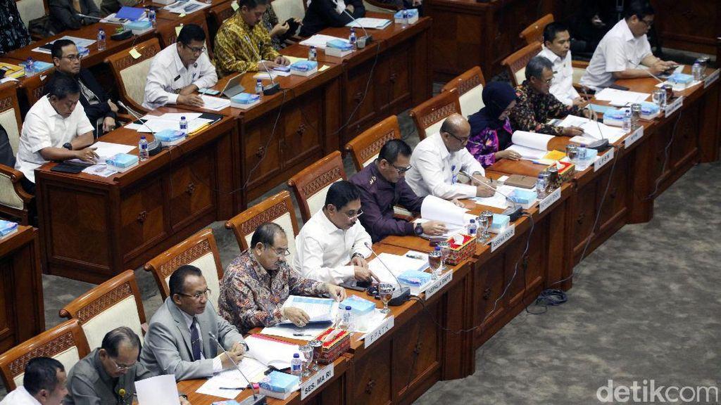 Komisi III Rapat dengan Mitra Kerja Bahas Anggaran 2018