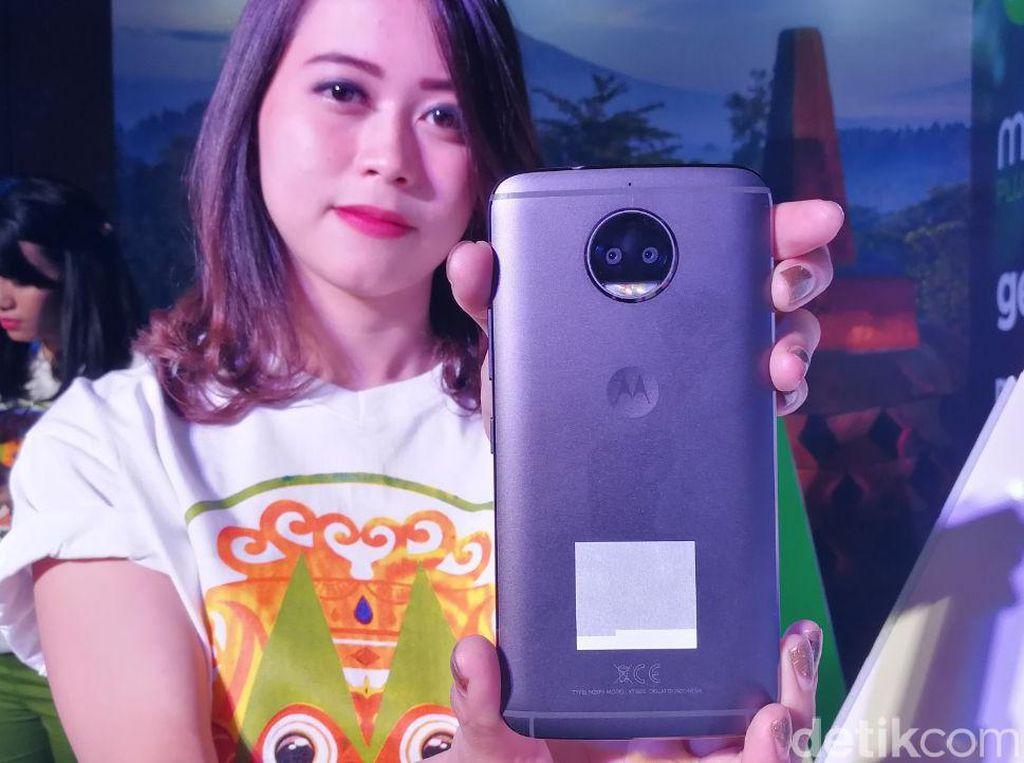 Motorola Umbar Fitur Tanpa Tanding di Ponsel Anyar