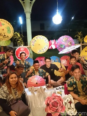 Pencipta Payung Kertas Dapat Penghargaan dari Kasunanan Surakarta