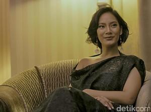 Tara Basro Boyong Ibunda ke Lokasi Syuting Film Pengabdi Setan