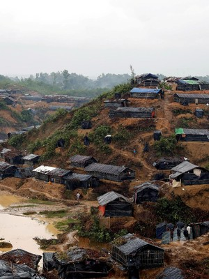 Puluhan Bidan Bantu Pengungsi Rohingya Melahirkan di Bangladesh