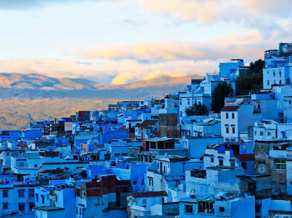 Foto: Kota yang Berwarna Biru