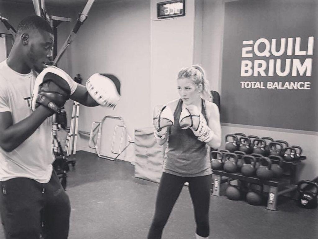 Punya Suara Memukau, Ellie Goulding Ternyata Hobi Boxing