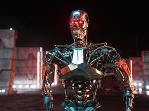 <i>Shes Back!</i> Linda Hamilton Kembali untuk Terminator 6