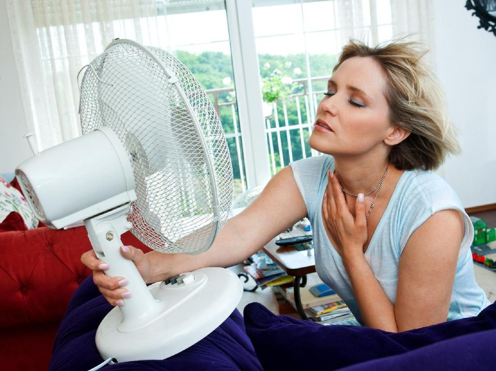 Cuaca Sedang Panas-panasnya, Ini Tips Mencegah Keringat Berlebih