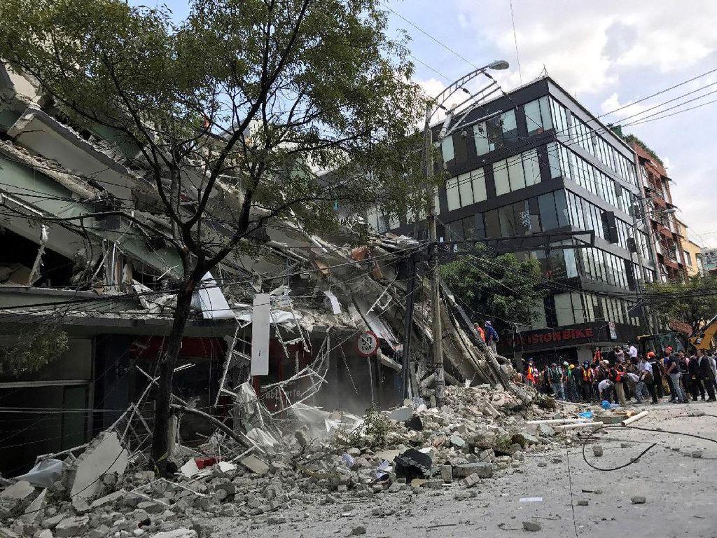 Video Ledakan dan Gedung Runtuh saat Gempa di Meksiko