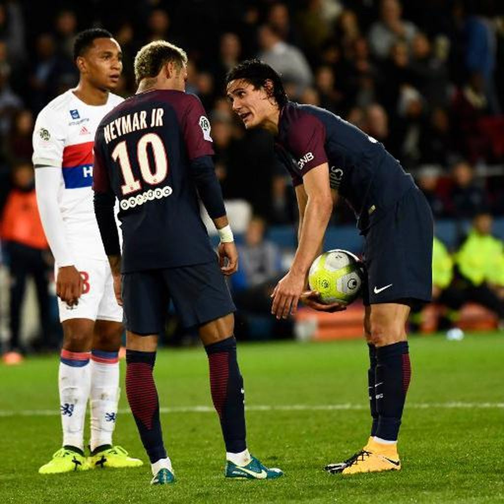 Anak Baru di PSG, Neymar Harus Hormati Cavani