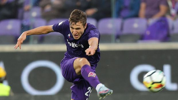 FLORENCE, ITALY - SEPTEMBER 16: Federico Chiesa of ACF Fiorentina in action during the Serie A match between ACF Fiorentina and Bologna FC at Stadio Artemio Franchi on September 16, 2017 in Florence, Italy.  (Photo by Gabriele Maltinti/Getty Images)