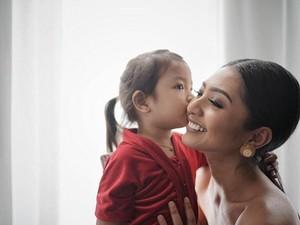 Foto: Sama-sama Cute, 6 Puteri Indonesia Bersama Buah Hatinya