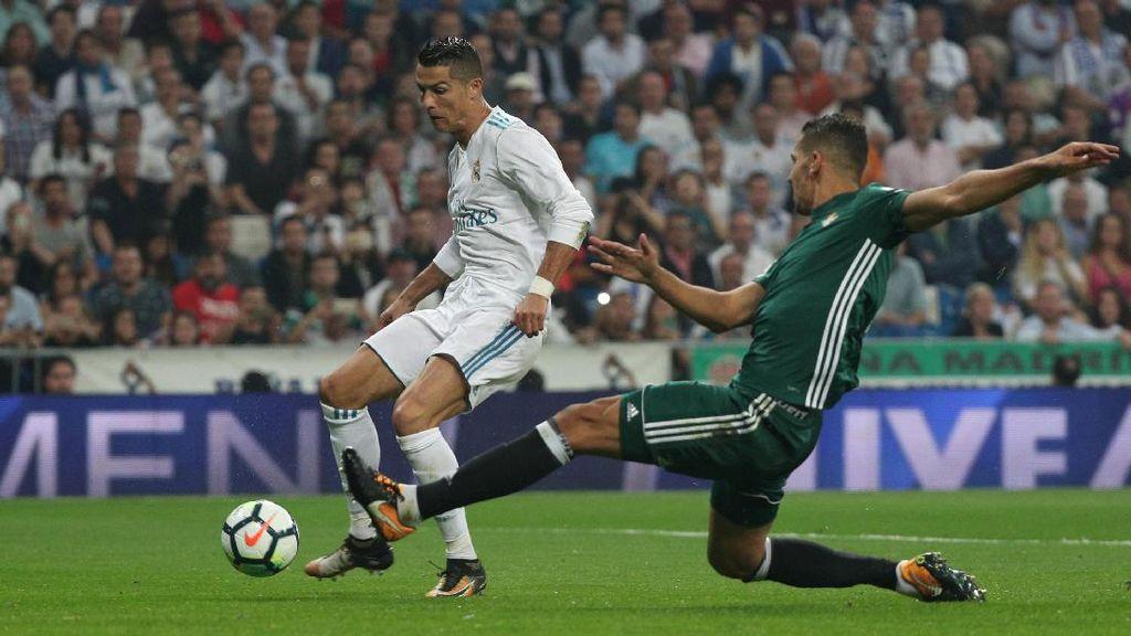 Zidane: Peluang Ada, Cuma Bolanya Tak Mau Masuk Gawang