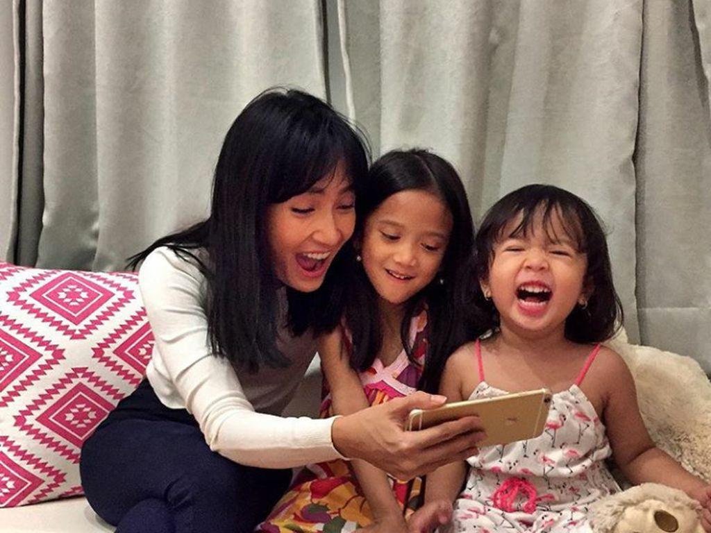 Buatkan Bekal Sekolah, Cara Artika Sari Devi Lengkapi Nutrisi Anak