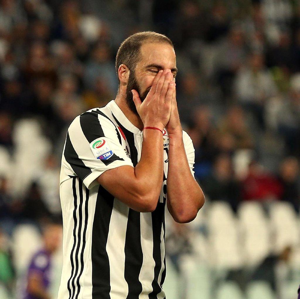 Juventus Disarankan Tepikan Dulu Higuain yang Sedang Menurun