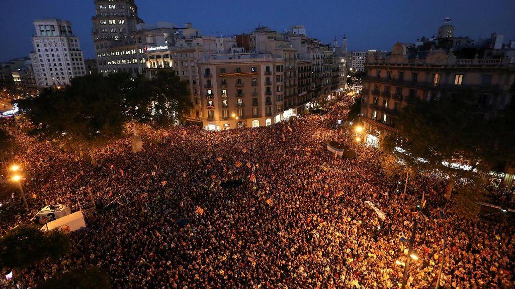 Barcelona Memanas: Lautan Manusia Turun ke Jalan, Mengutuk Madrid