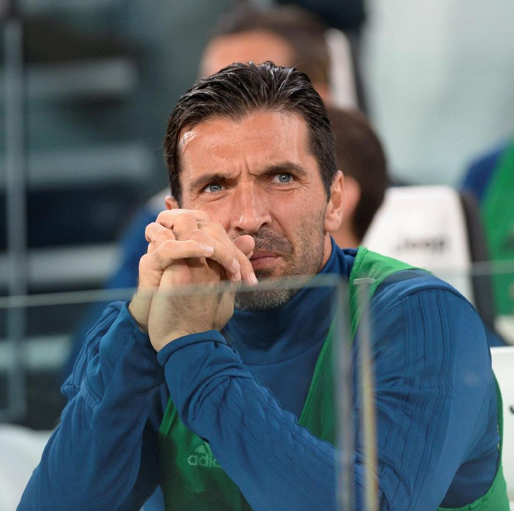 Buffon Dijanjikan Jabatan Menteri Olahraga Italia