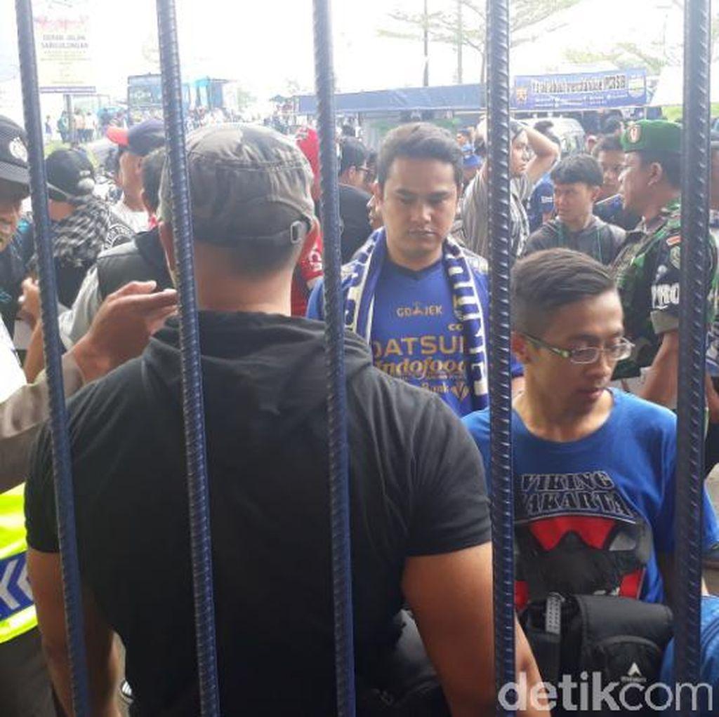 Persib vs Bali United Tanding di Hari Libur Nasional, Penonton Membludak