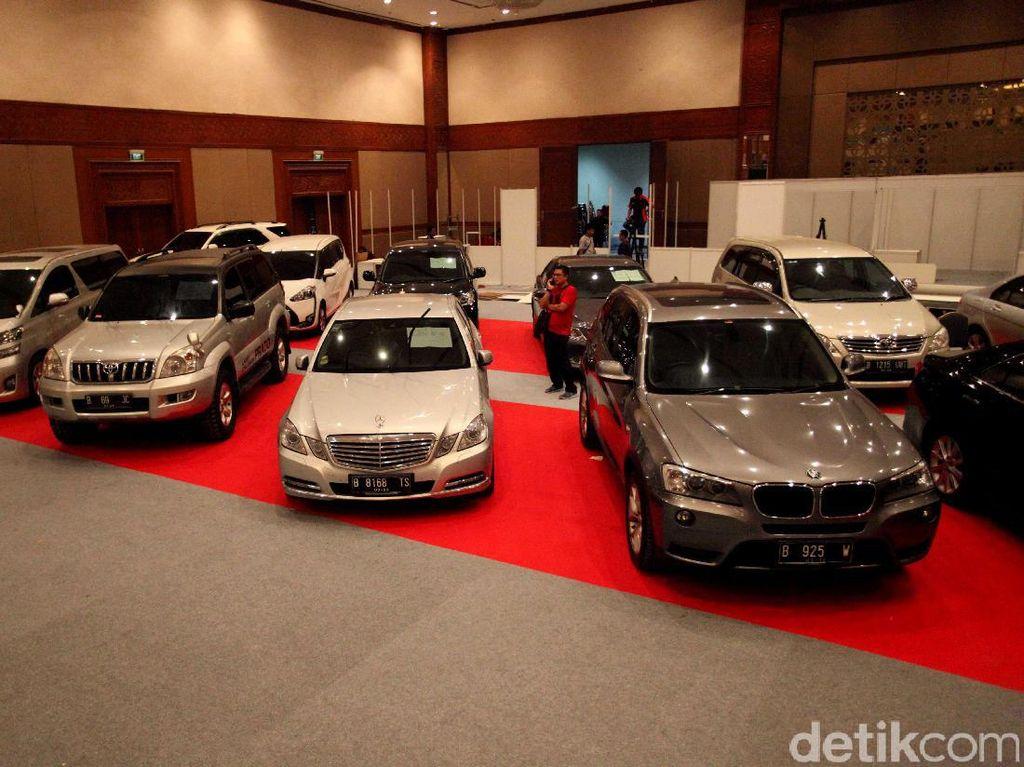 Siapkan Uang! Mobil Sport yang Tidak Bayar Pajak Bakal Dilelang