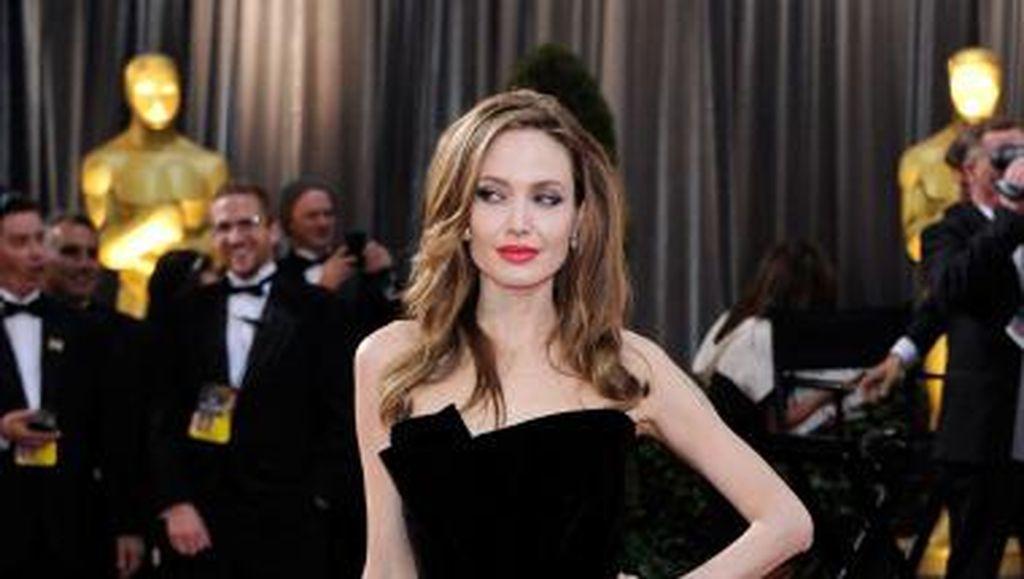Wow! Angelina Jolie Hampir Jadi Agen Rahasia