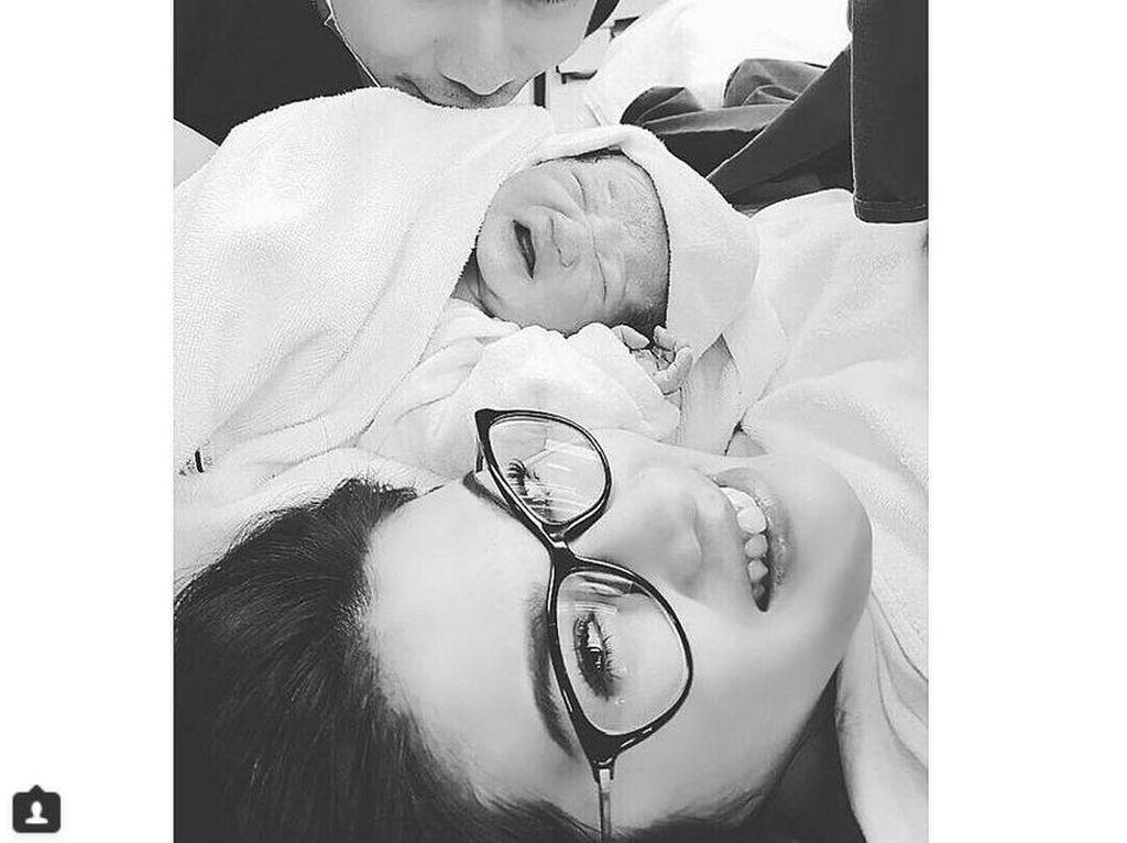 Dua Bulan Nikah, Eks Istri Samuel Rizal Lahirkan Bayi Laki-laki